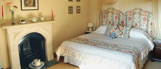 Marshal Room - - Ensuite & Twin room at Lullington House B&B